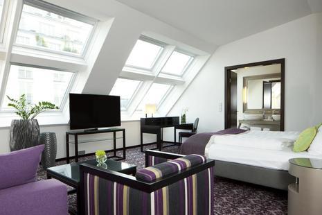 Steigenberger Herrenhof Hotel