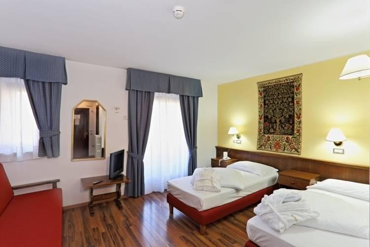 Baita Clementi Hotel