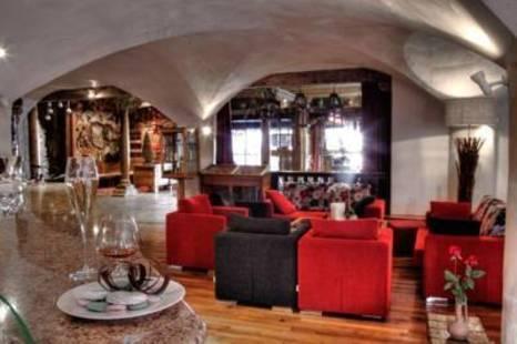 Les Suites Du Montana Hotel