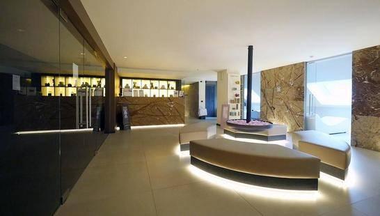 Charme Alexander Hotel