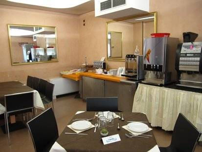 Manola Hotel