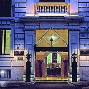 Rose Garden Palace Hotel