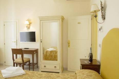 Lanzillotta Hotel