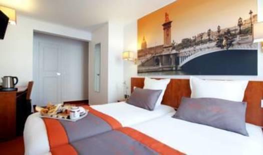 Alyss Saphir Cambronne Eiffel Hotel