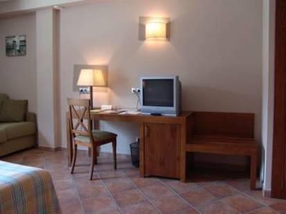 Magic Canillo Hotel
