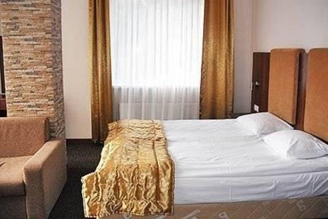 Наступ Отель