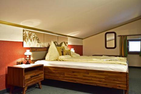 Monzabon Hotel