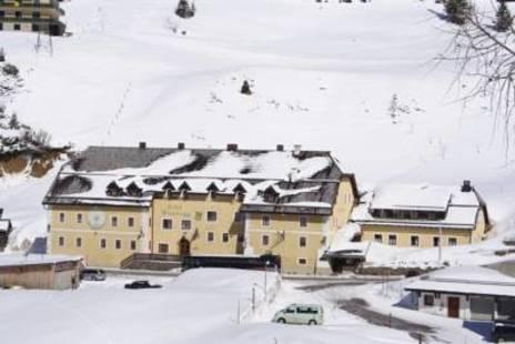 Tauernhaus Wiesenegg Hotel