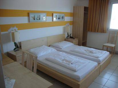 Lenas Donau Hotel