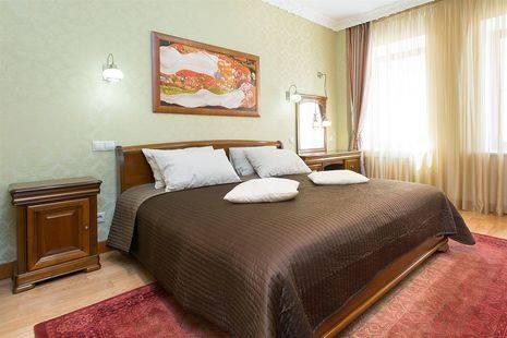 Moscow Suites Smolenskaya