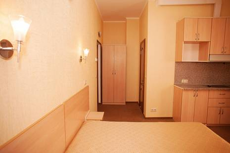 Дом У Моря Лаки (Ex.Lucky Hotel)