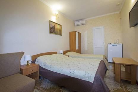 Отель Каро