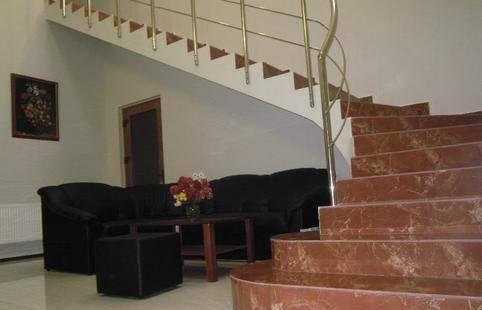 Гостиный Дом