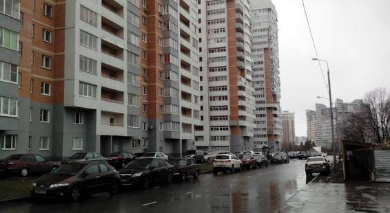 На Улице Ельнинская