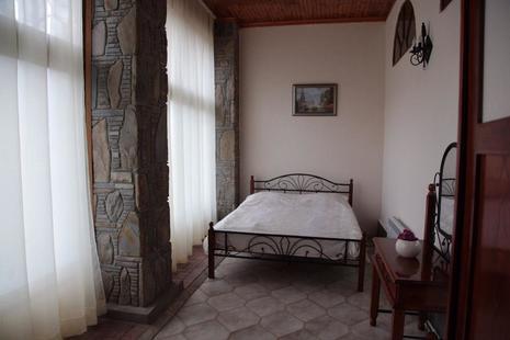 Отель Кастана