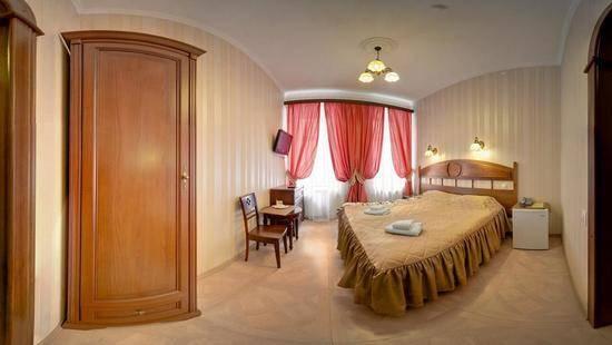 Отель Аделия