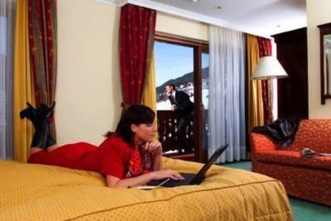 Luna Mondshein Hotel