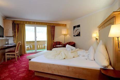 Alpvita Piz Tasna Hotel