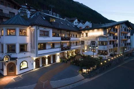 Yscla Hotel