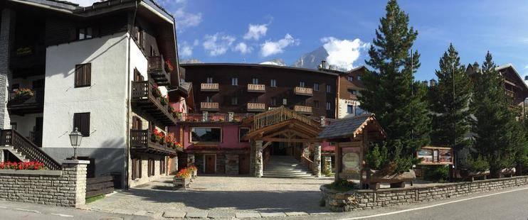 Bucaneve Hotel