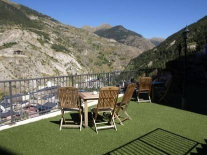 Magic Canillo Apartments