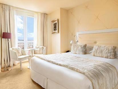 Renoir Hotel