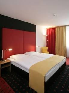 Senator Hotel