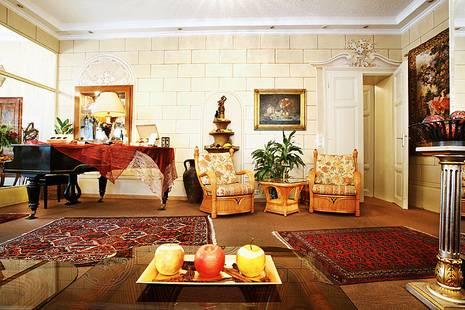 Schlosshotel Oth