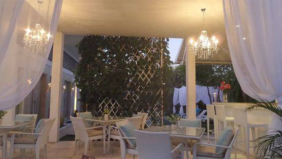 La Cabana Hotel And Villas