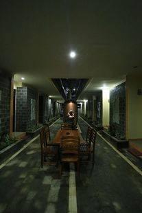 J Lestari Hotel