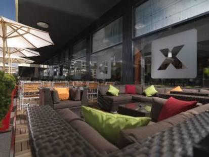 Courtyard By Marriott Hotel