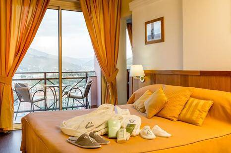 Vis A Vis Hotel
