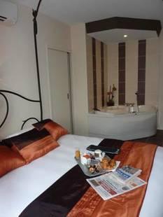 Brit Hotel Olympia