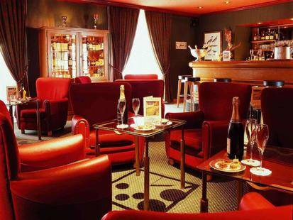 Grand Hotel Mercure De Bourbon