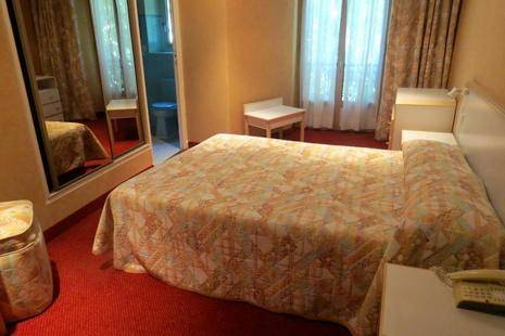 Busby Hotel
