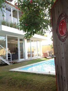 Villa A Villa