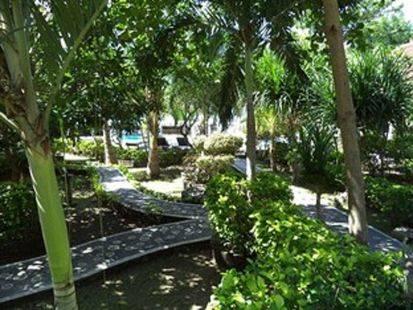 Coral Bay Bungalow (Ex Deddys Beach Bungalows)