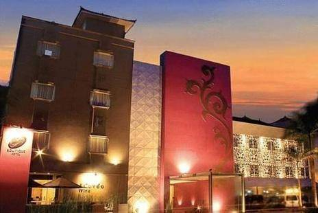 J Boutique Hotel
