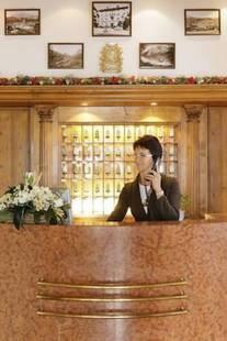Meuble Royal Hotel
