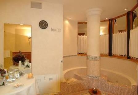 Lorenzetti Hotel