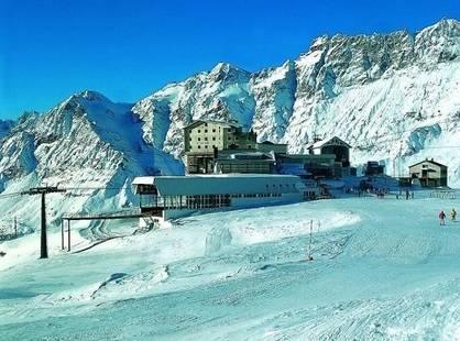 Lo Stambecco Ski Club