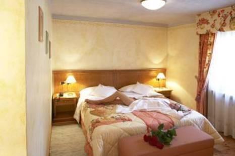 Ladinia Hotel