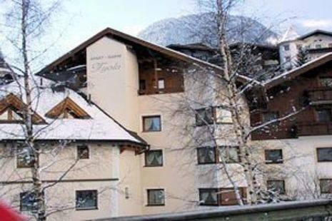 Tyola Hotel