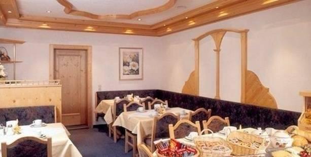 Golfais Hotel