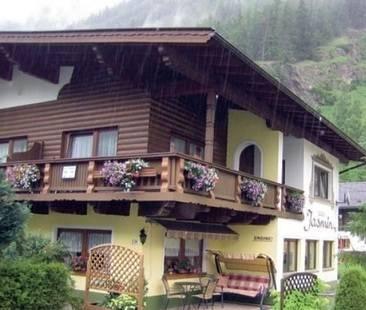 Jasmin House