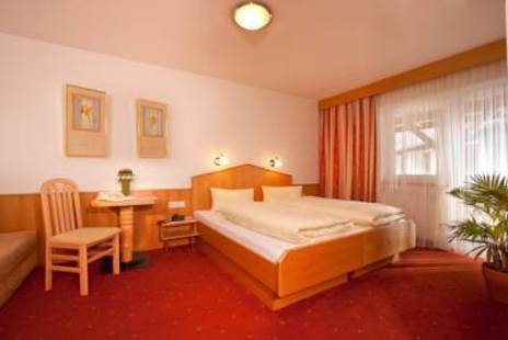 Ehrenreich Hotel
