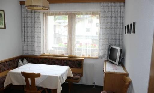 Falkner Agnes Haus