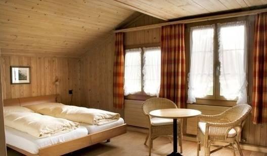 Saanerhof Hotel