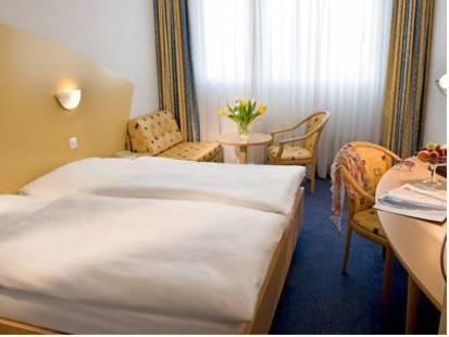Cresta Hotel
