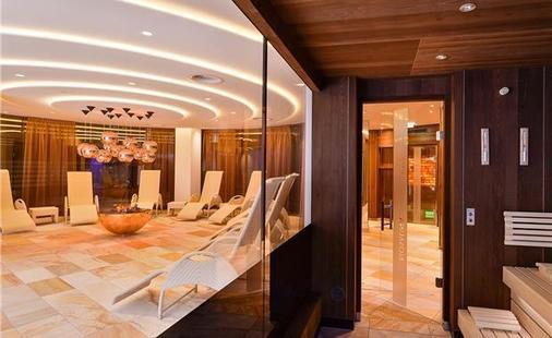 Trofana Royal Hotel